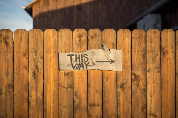 this way sign Jamie Templeton